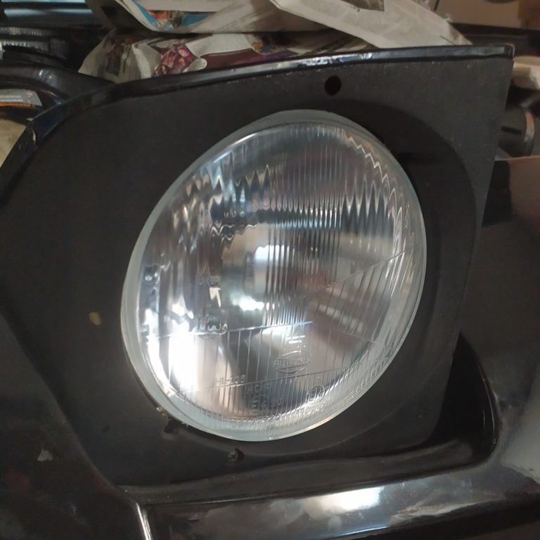 Porsche 944 headlight replacement
